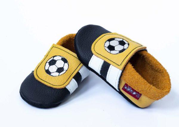 schwarz-gelbe-lederpuschen-mit-fussball-dortmund