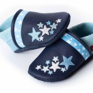 blaue-krabbelpuschen-mit-sternen