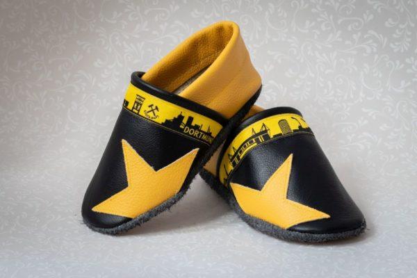 schwarz-gelbe-krabbelpuschen-mit-stern-dortmund