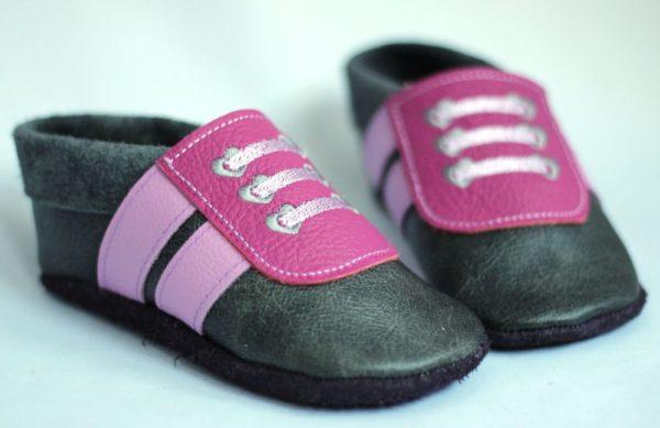 krabbelschuhe-fuer-maedchen-sneaker